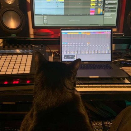 Speedy in the studio on acceptance of a new track